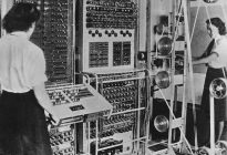 computer-Colossus-Bletchley-Park-Buckinghamshire-England-Funding-1943